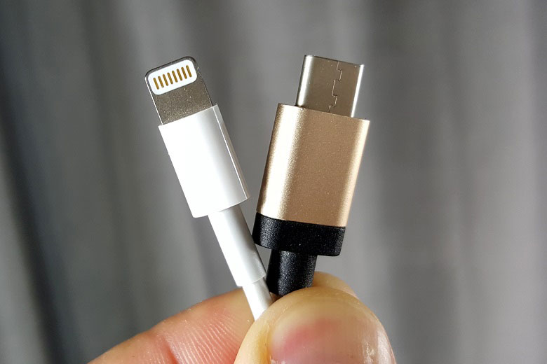 Media: the Apple iPhone 8 plans to abandon the Lightning connector in favor of USB-C
