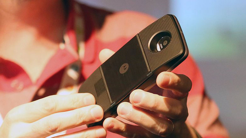 Smartphones Moto Moto Z and Z Play officially presented in Russia. Prices