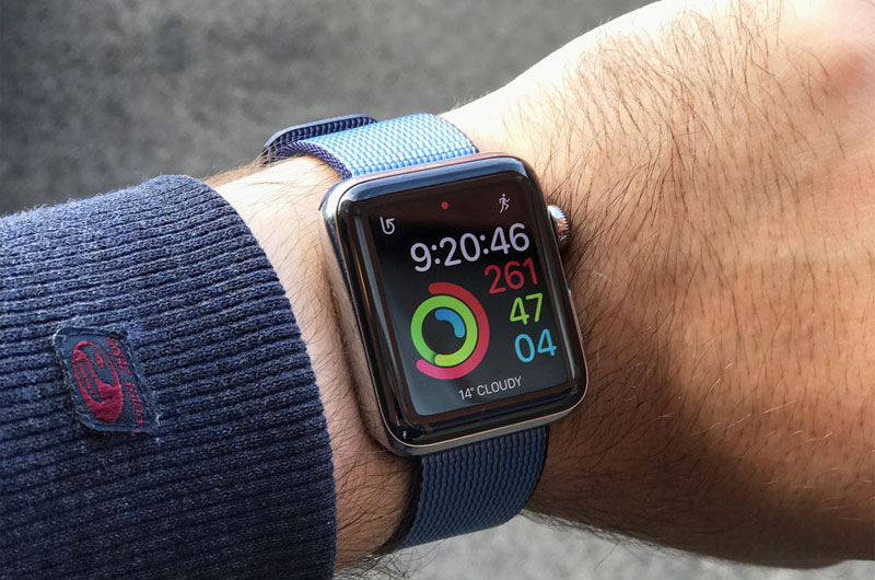 Apple Watch Series 2 vs Samsung Gear S3: comparison of design and opportunities
