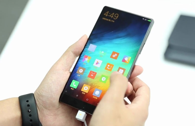 Xiaomi sold out the first batch frameless smartphone Mi Mix for 10 seconds
