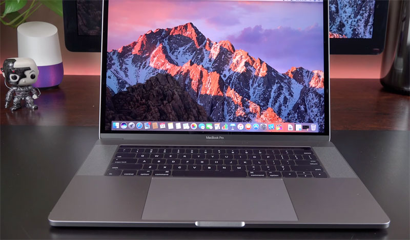 15-inch MacBook Pro with Touch Bar: unboxing and first look [video]