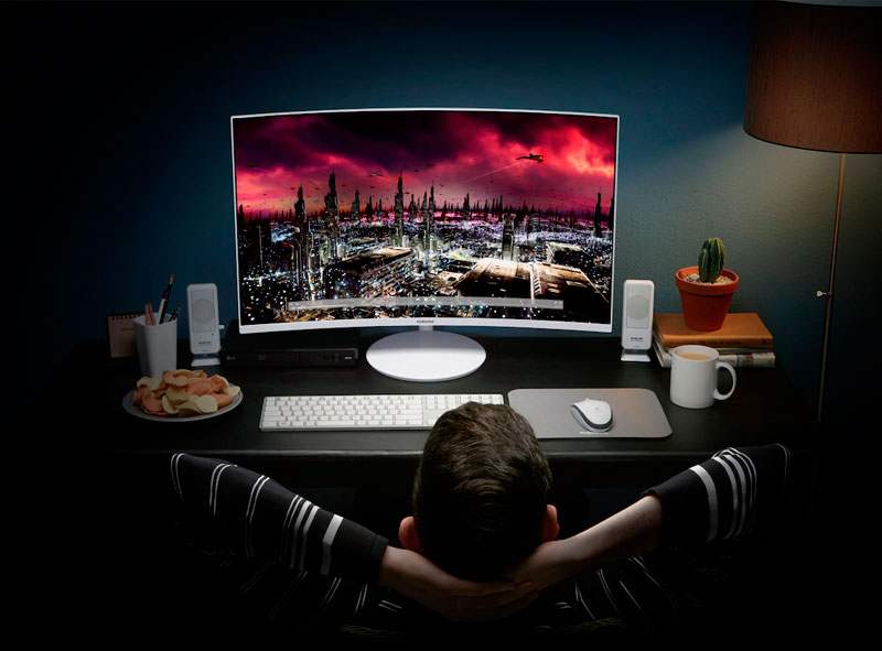 Samsung has introduced a curved monitor on quantum dots