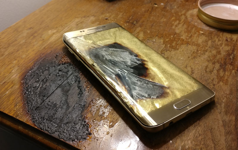Another Samsung smartphone exploded while charging [photos]