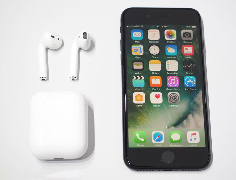 Journalists in awe of AirPods one of the best wireless headphones