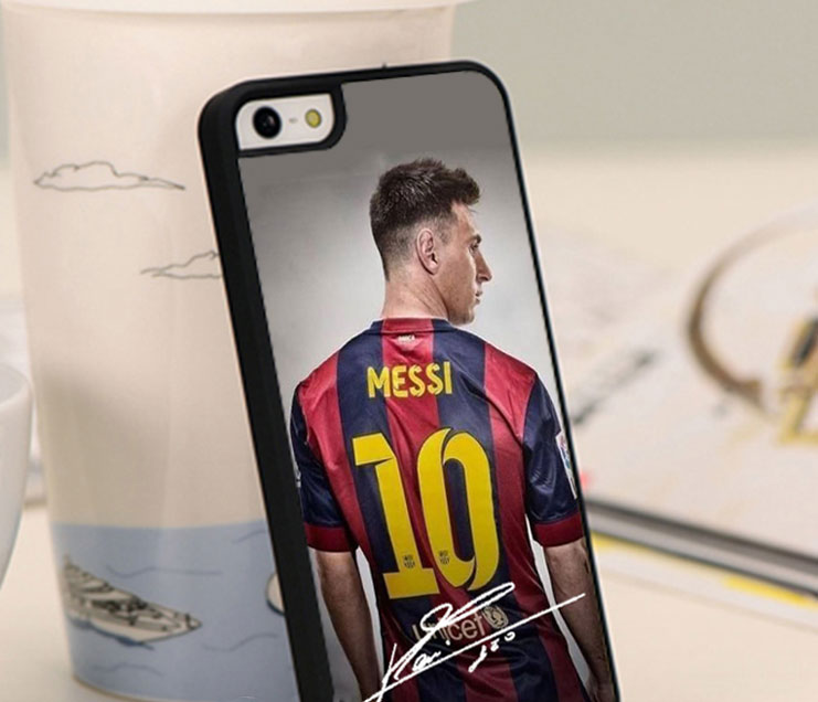 """The President of """"Barcelona"""" gave New year to all the players and coaches of the club for the iPhone 7"""