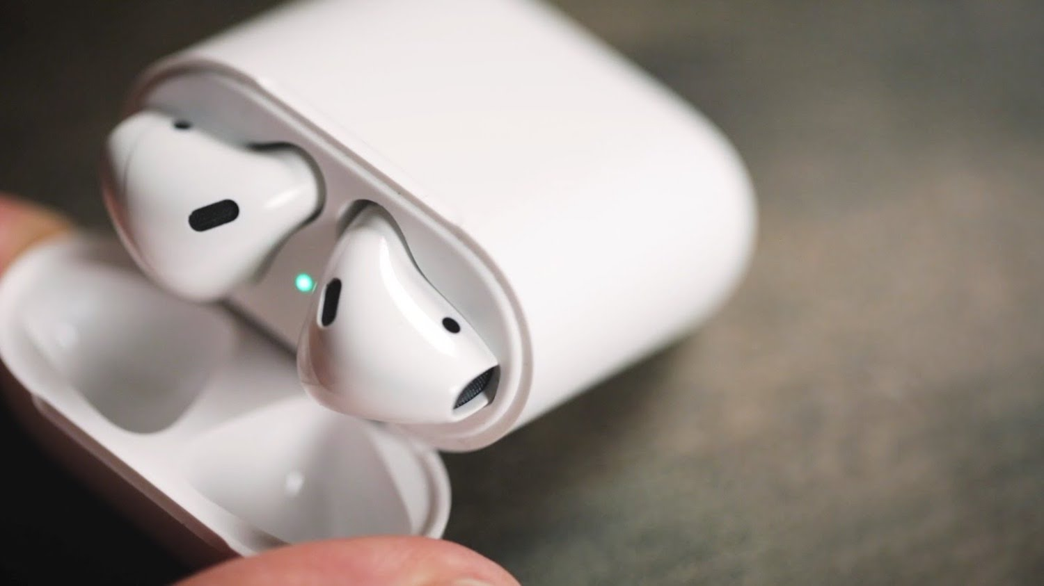 AirPods — the biggest failure of Apple this year?