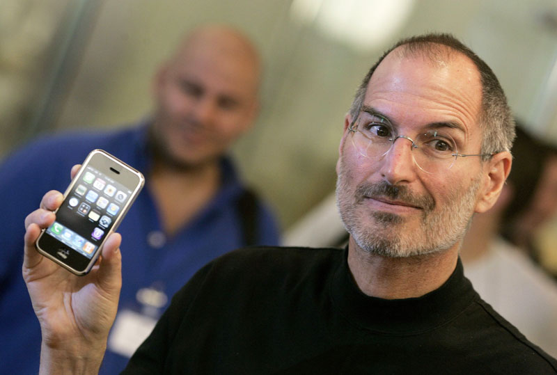 """""""Apple again off course, but this time not Steve jobs to save her"""""""