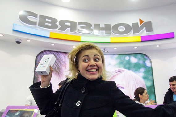 Smartphones in Russia are getting more expensive, despite the strengthening of the ruble