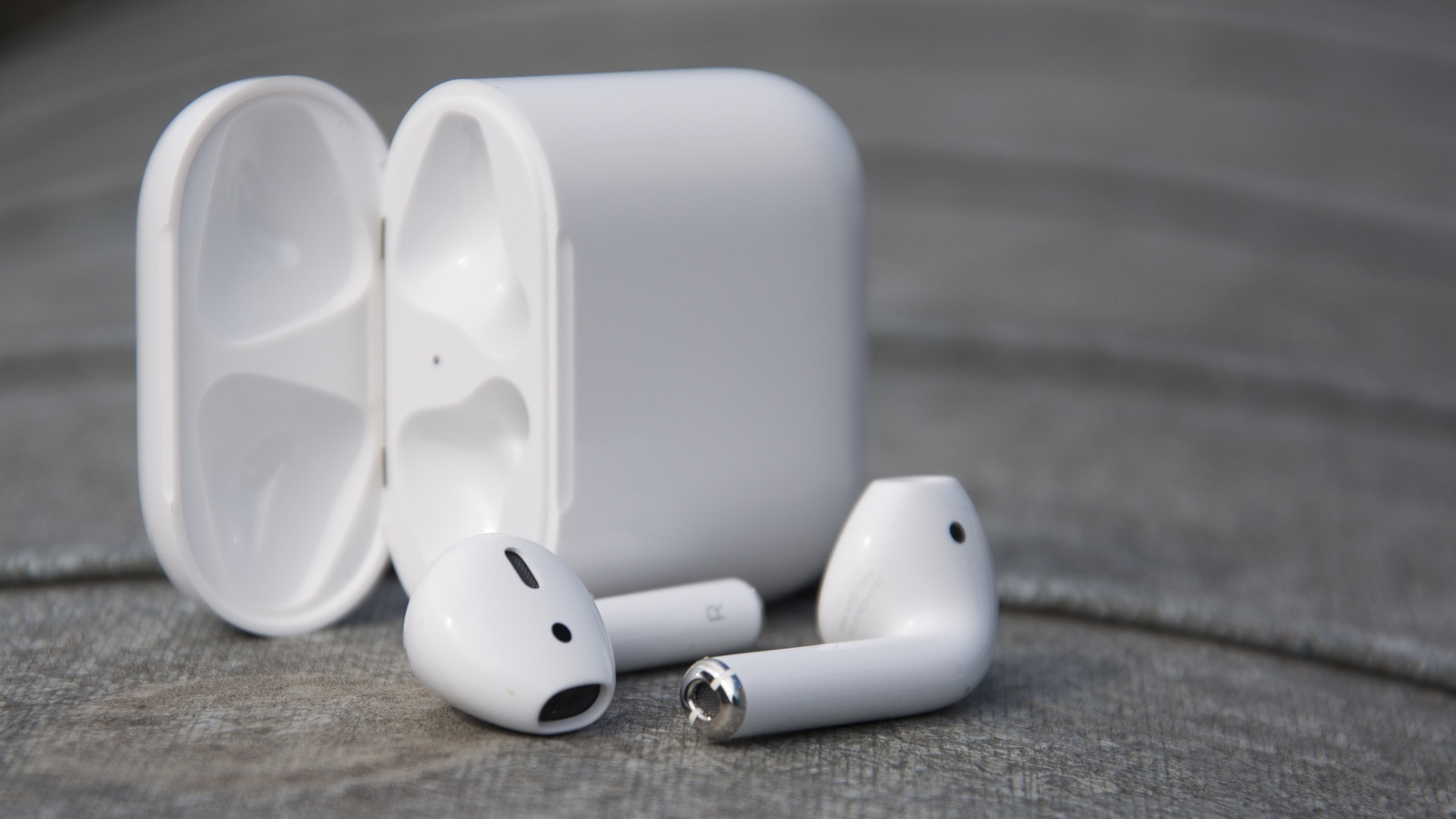 #Video: AirPods have been tested for durability