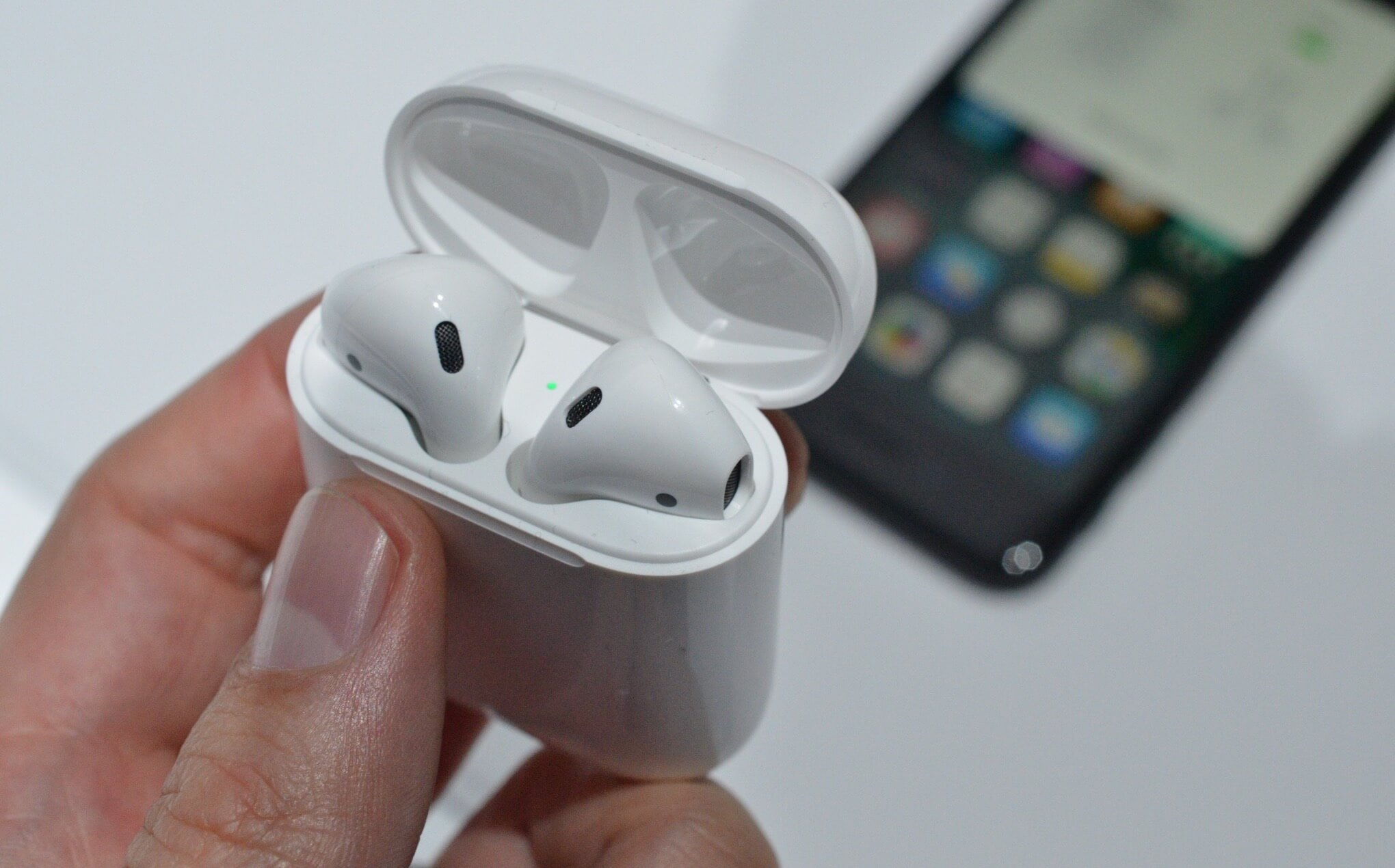 Apple news, 187 release: AirPods on sale and cheaper iPhone in Russia