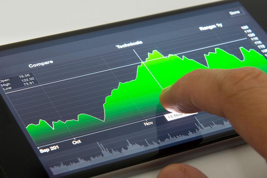 "Russian billionaire Alisher Usmanov ""raised good money"" on Apple stock"