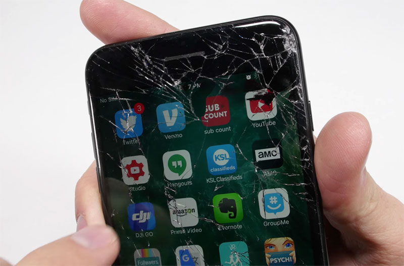 How to replace broken screen on the iPhone 7 and 7 Plus at home [video]