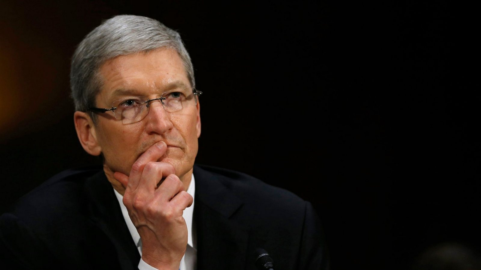 Tim cook salary cut for failing to plan sales