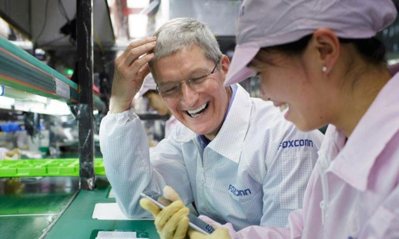 Foxconn's annual revenue fell for the first time since 1991 amid falling iPhone sales