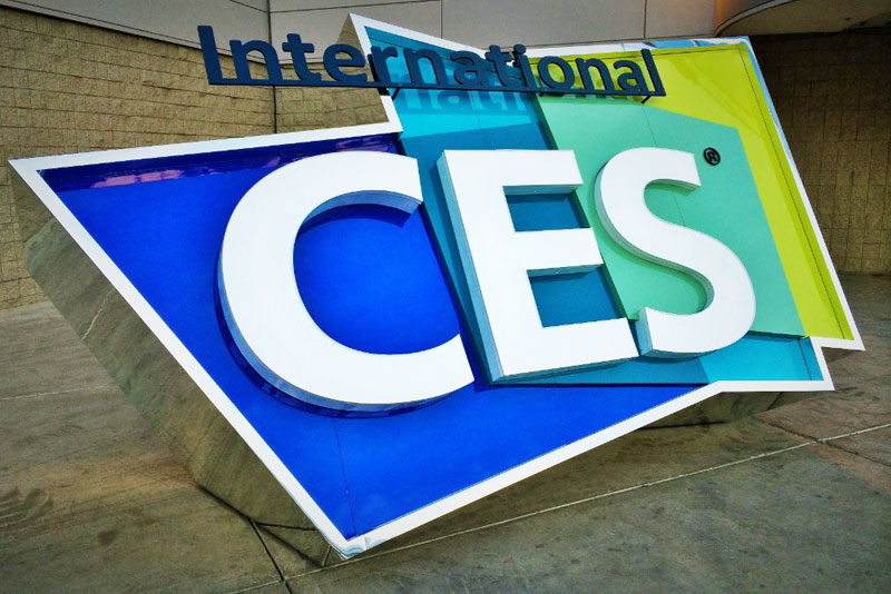 Recode: Apple close to losing users. CES 2017 is showed
