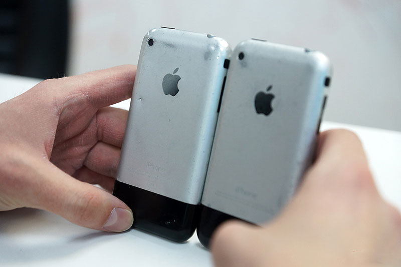 """It was a real miracle!"" IPhone owners remember the first Apple smartphone"