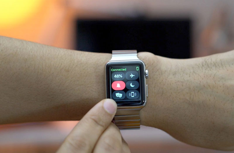 How does the Theater Mode on the Apple Watch watch OS 3.2 [video]