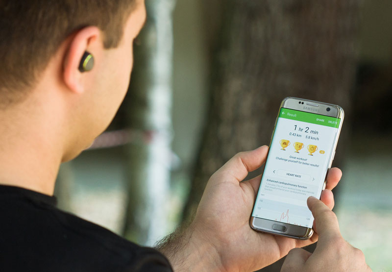 The Samsung Galaxy S8 will come with wireless headphones with active noise cancelling