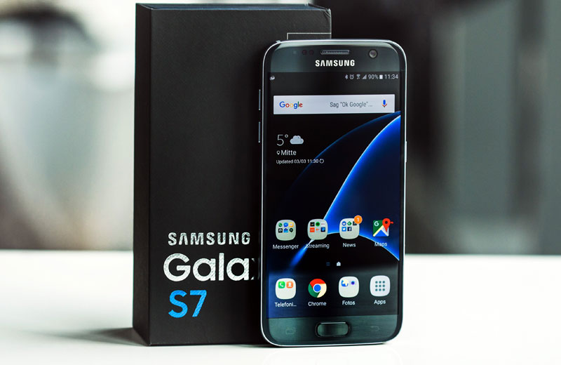 Samsung following Apple has reduced the prices of smartphones in Russia