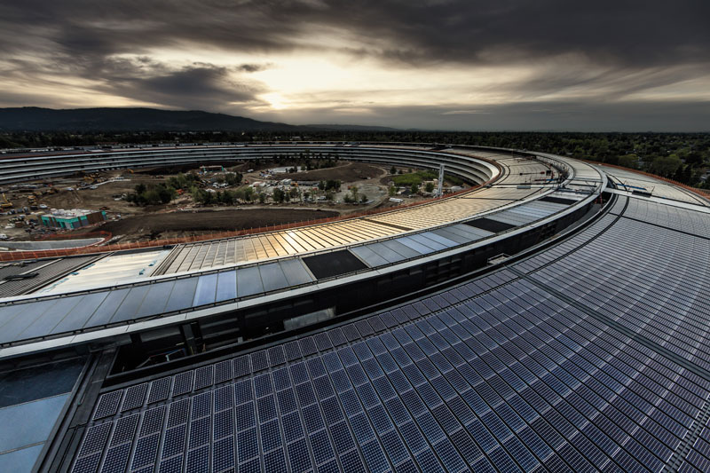 """The last invention of Steve jobs: 7 incredible facts about """"spaceship"""" headquarters Apple"""