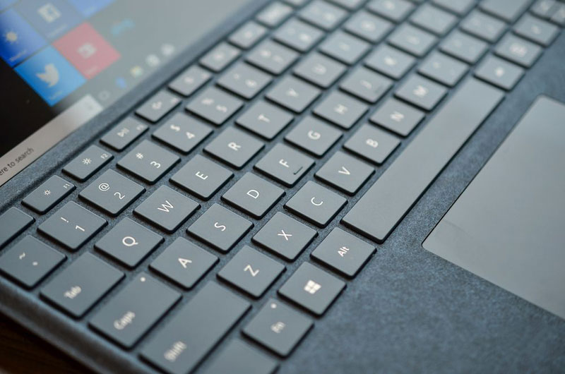 Microsoft says that new Surface Pro is 1.7 times stronger and 35% more Autonomous than iPad Pro