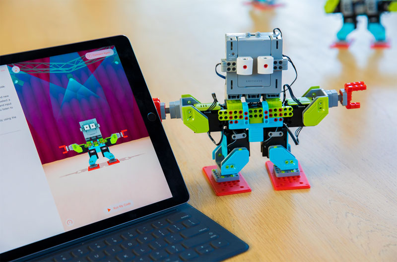 Apple announced an update to Swift Playgrounds with the support of robots, drones and musical instruments