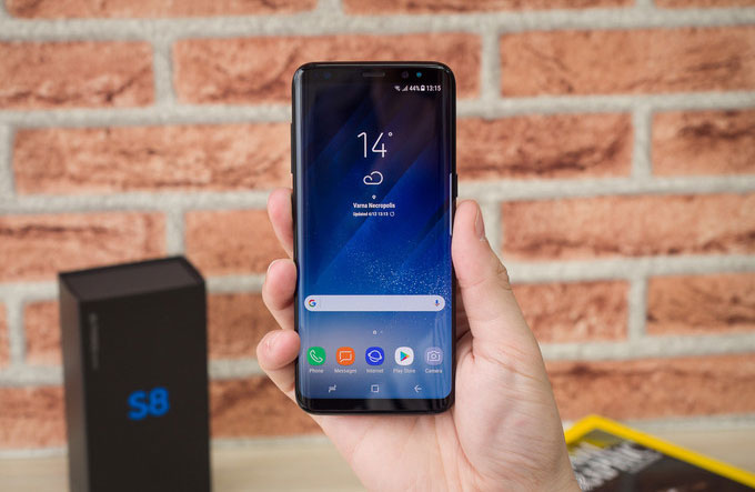 How to cheat the protection of the smartphone Samsung Galaxy S8