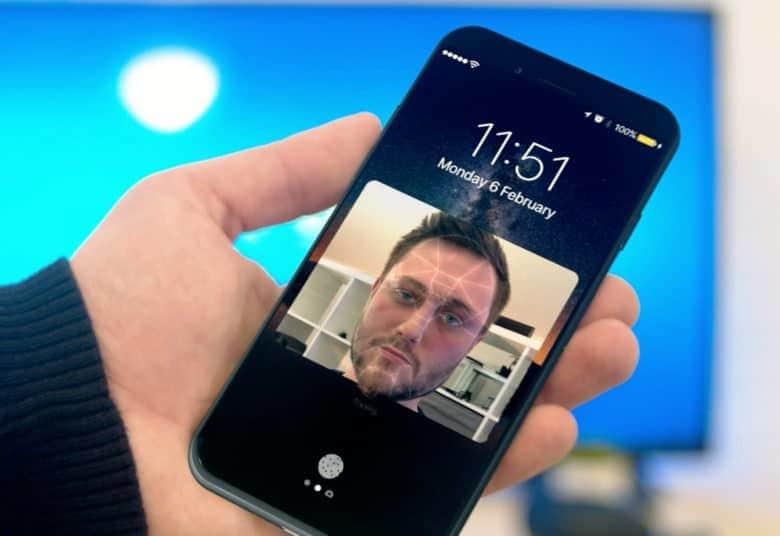 Face scanner in iPhone 8: very fast and works in the dark