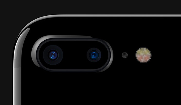 Apple is ramping up production of lenses before the release of iPhone 8