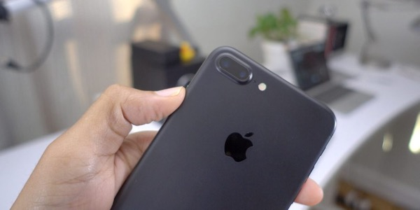 iPhone 7 still sold better than the iPhone 8