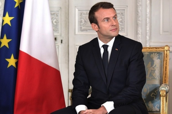 The love of the French President to Telegram forced the authorities to create their own messenger