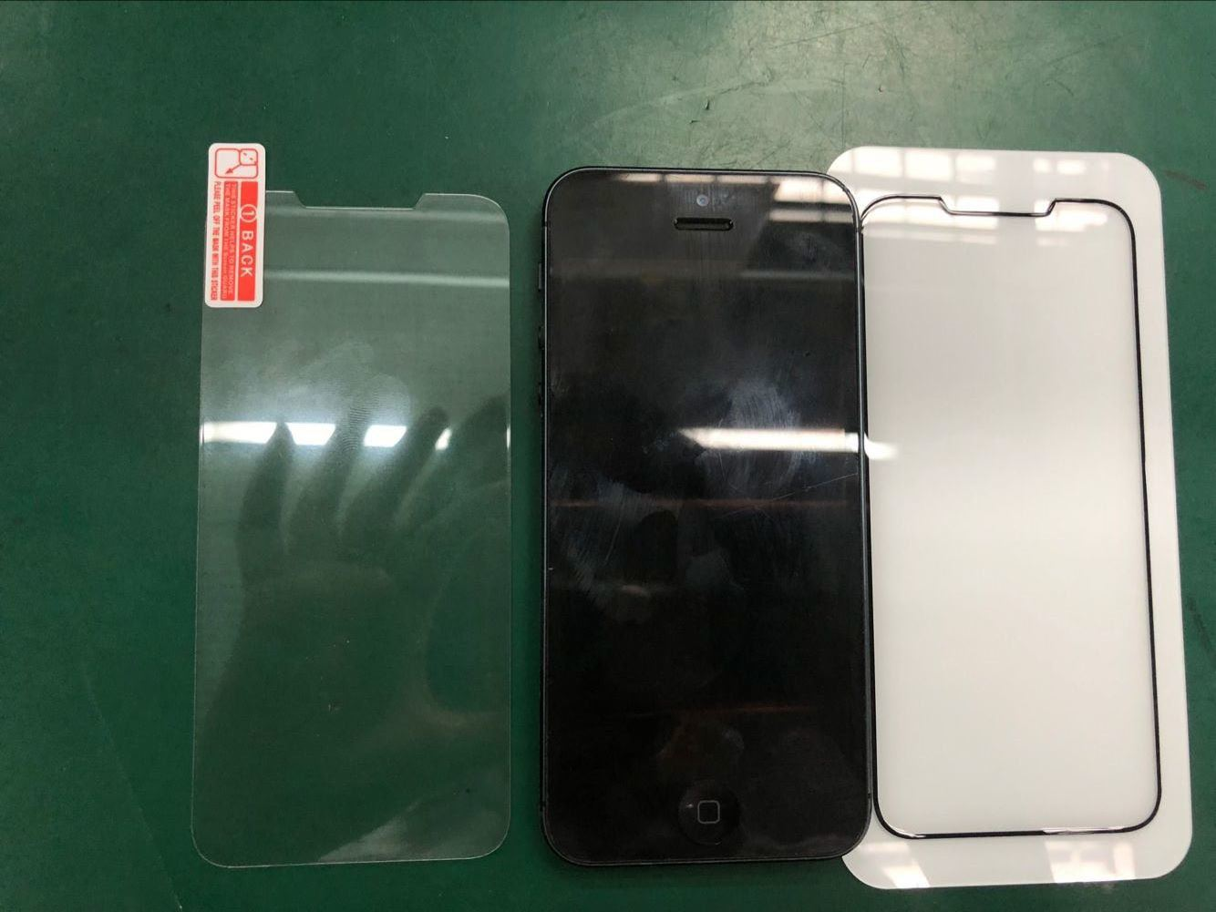 Rumors about the new iPhone design SE 2 confirmed case manufacturer