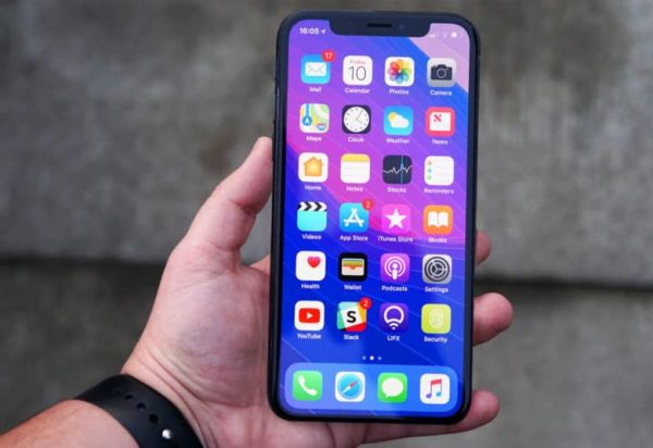 The budget iPhone will get a display like the LG G7