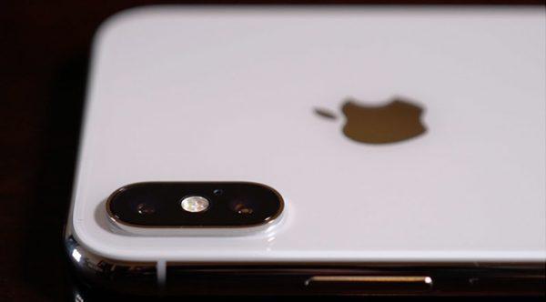 iPhone X on iOS 12 will stop doing random screenshots
