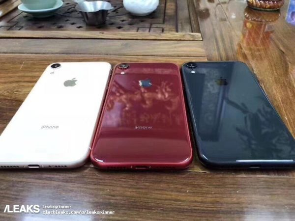 6.1-inch iPhone will come in red, white and blue colors