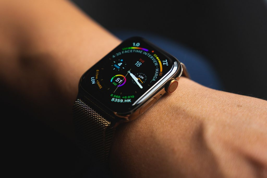 Specialists iFixit disassembled Apple Watch Series 4 and noted the high build quality
