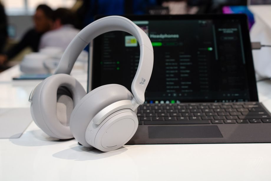 Wireless headset Headphones Microsoft Surface will go on sale November 19