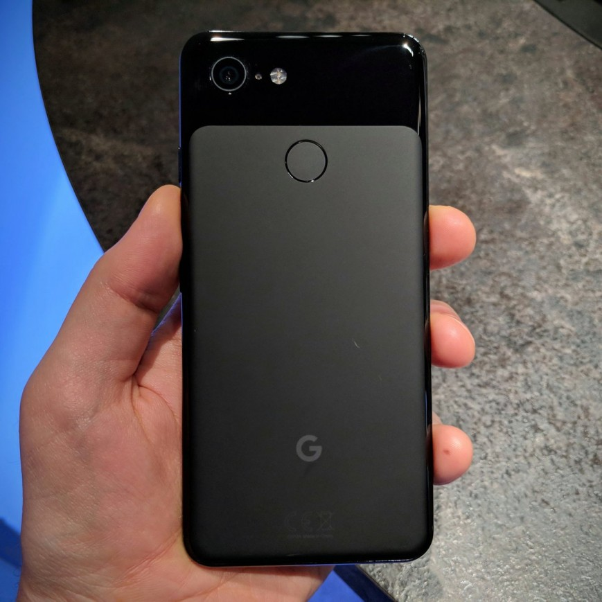 Journalists commented on the poor quality of the painting of the new Google Pixel 3 XL
