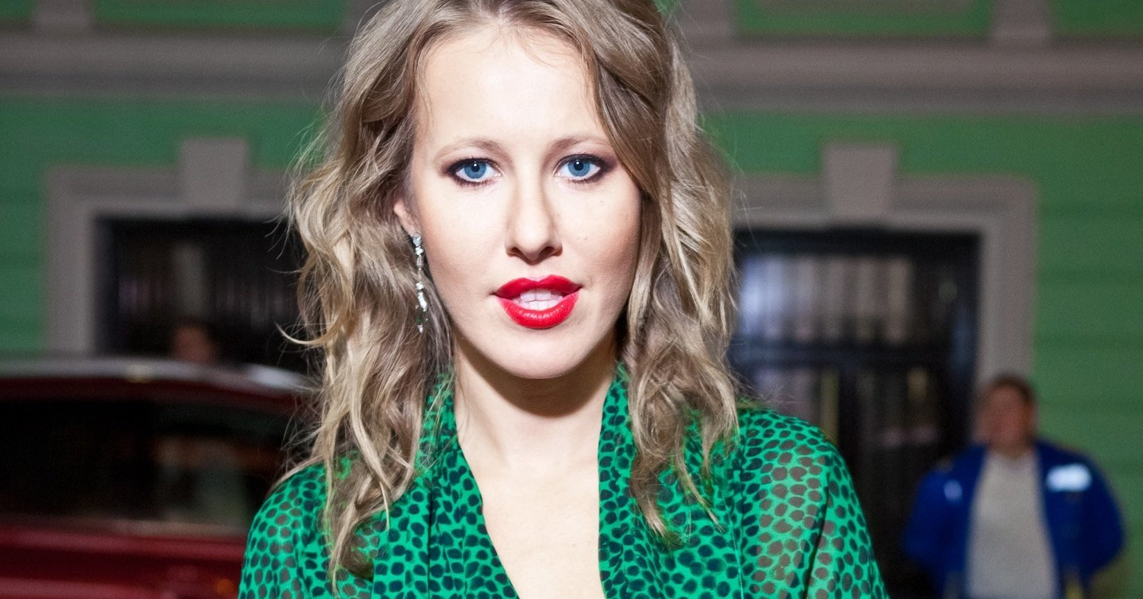 Samsung sues Ksenia Sobchak for the iPhone X