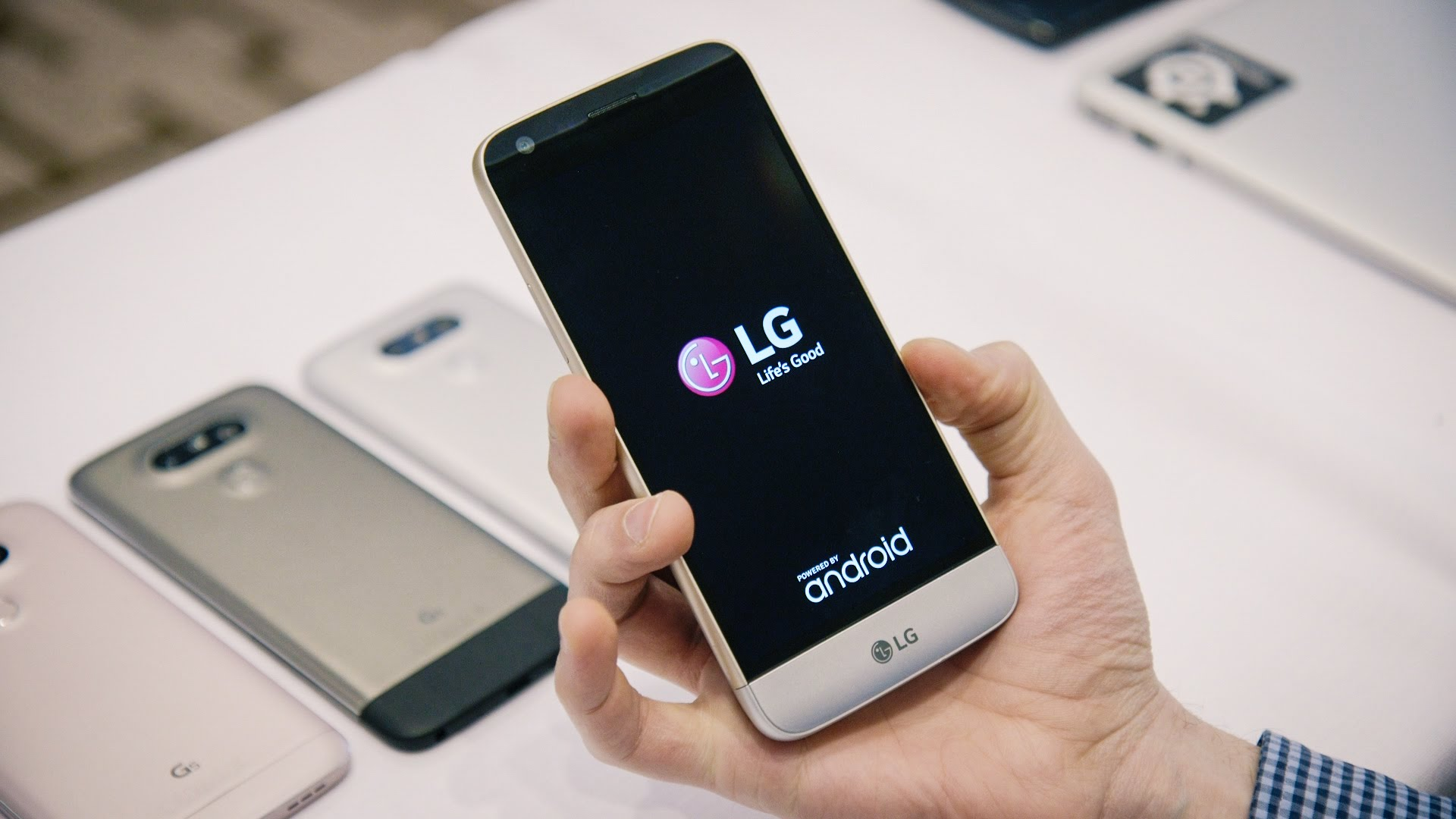 LG will present the new design of frameless display
