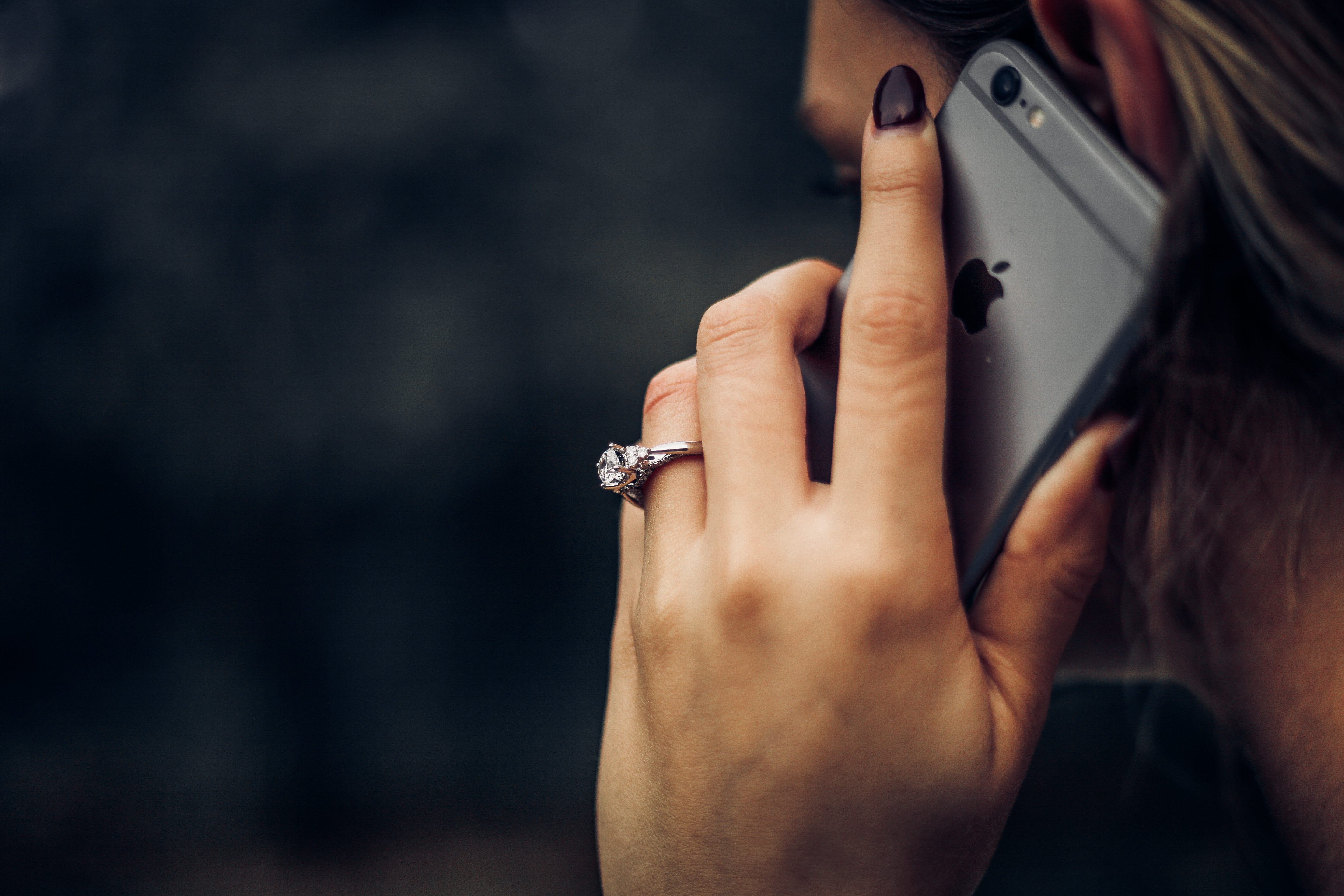 How to set caller ID on iPhone