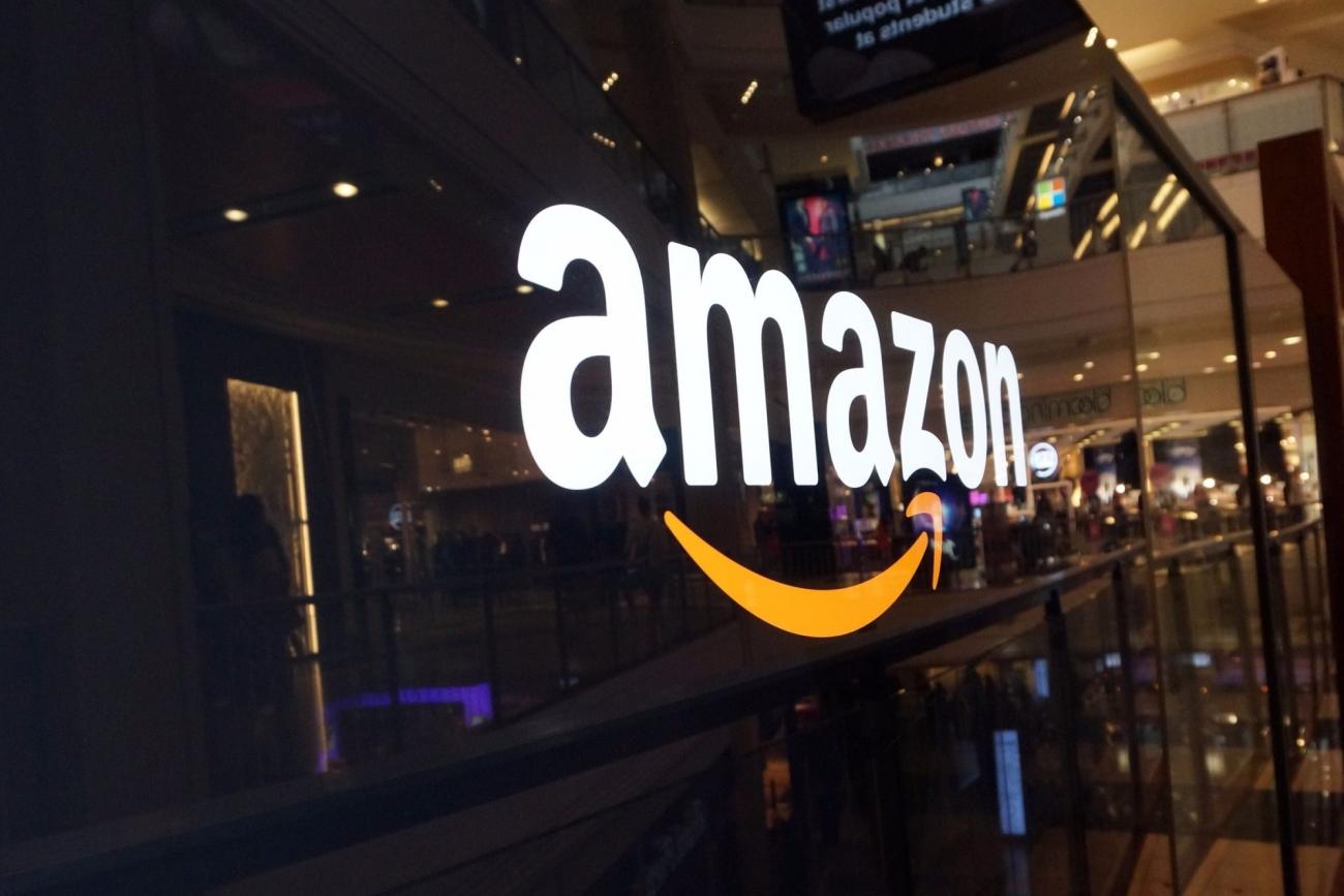 Amazon sells Apple equipment