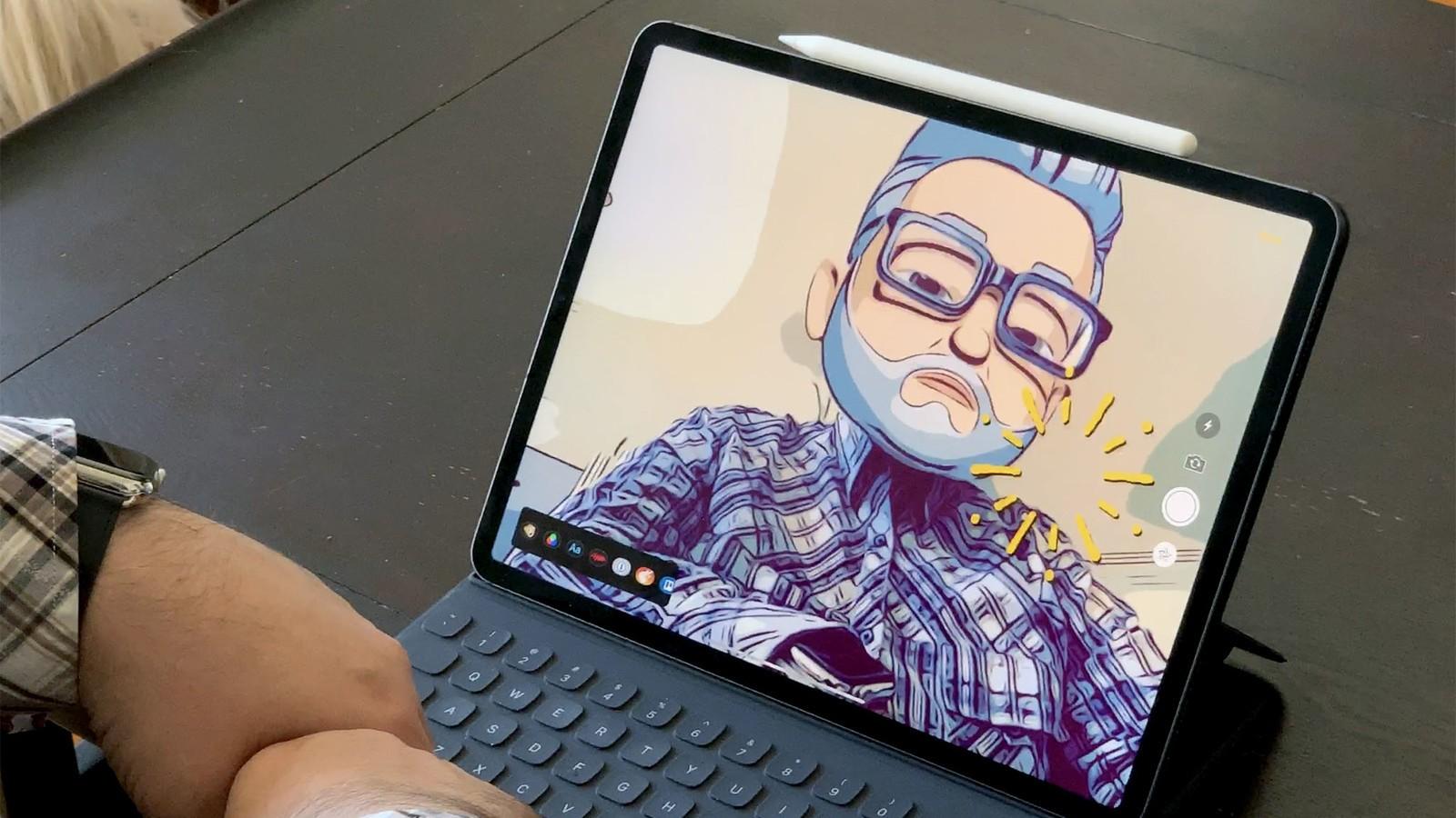 Does the iPad Pro 2018 old keyboard Smart Keyboard?