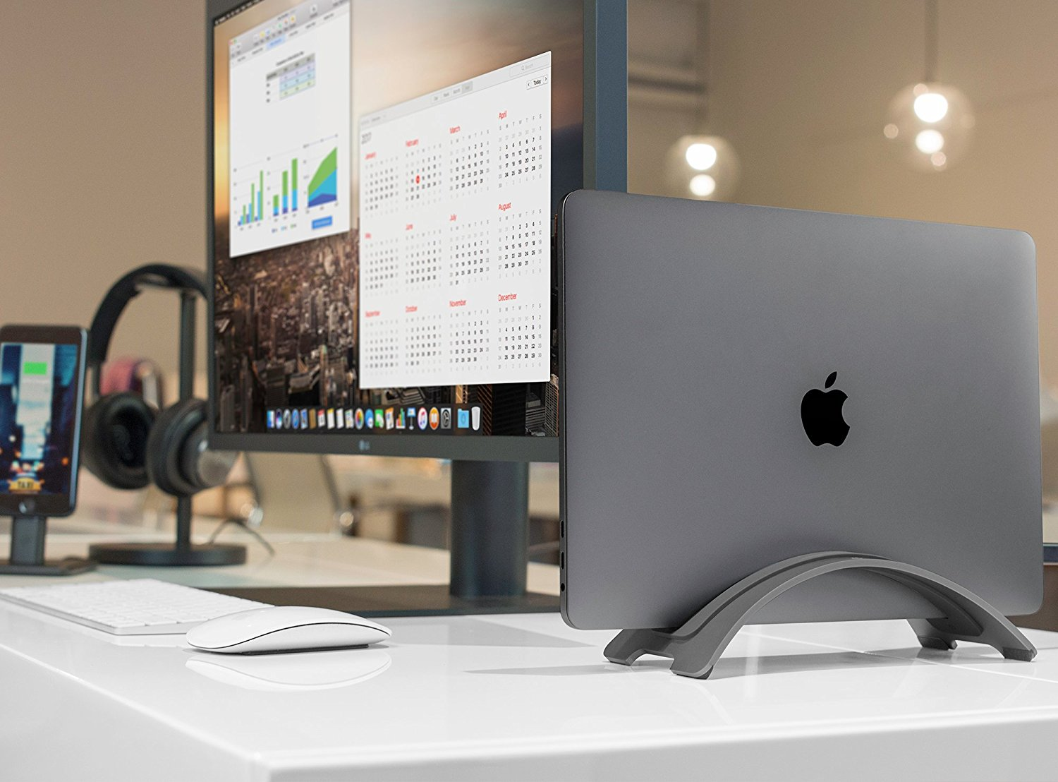 What to give the owner of the MacBook in the New year