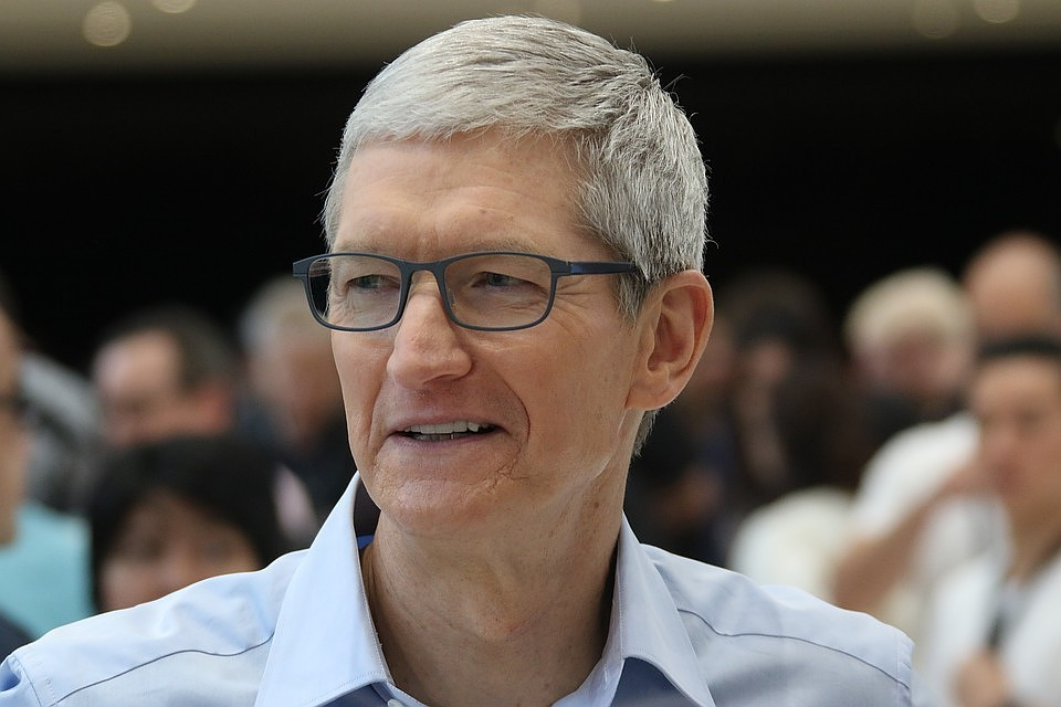 Tim cook called for greater security of personal data of users making purchases in online stores